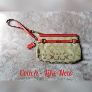 Coach Wristlet - Perfect for Summer!
